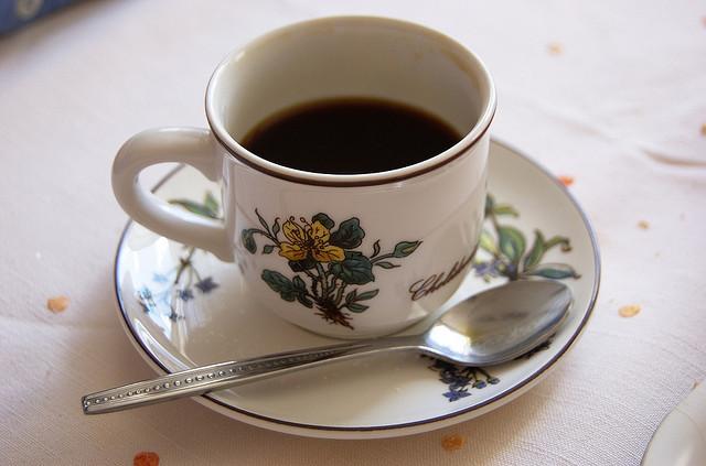 Kawa w filiżance - Daniel Bauer - CC Flickr