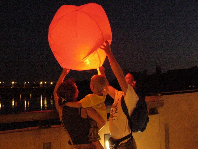 lampiony leca z mostu 2013 (4) - Radio Merkury