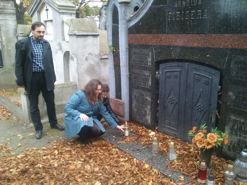 Znicze na Cmentarzu Ewangielickim w Kaliszu