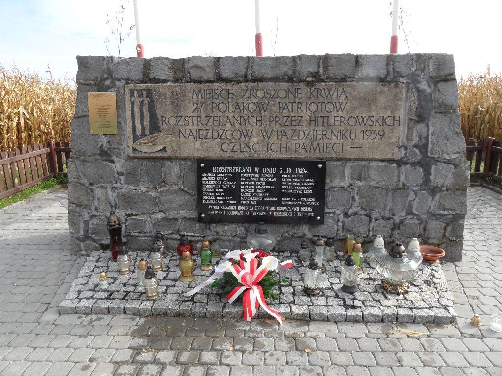 Pomnik w Kociniu gm. Trzemeszno.