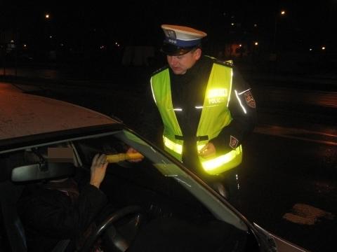 badanie alkomatem - Policja/Kalisz