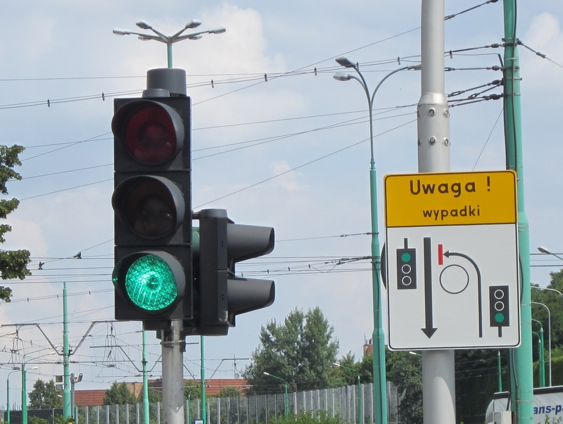 rondo srodka znak wypadki1 - Anna Skoczek