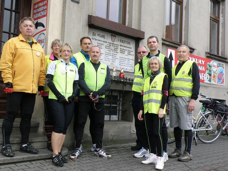 Grupa Rowerowa im. Jana Pawła II w Kościanie - rajd szlakiem miejsc pamięci