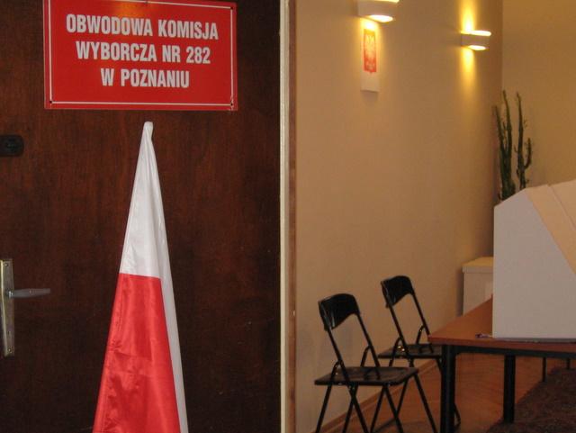 komisja wyborcza - Magda Konieczna