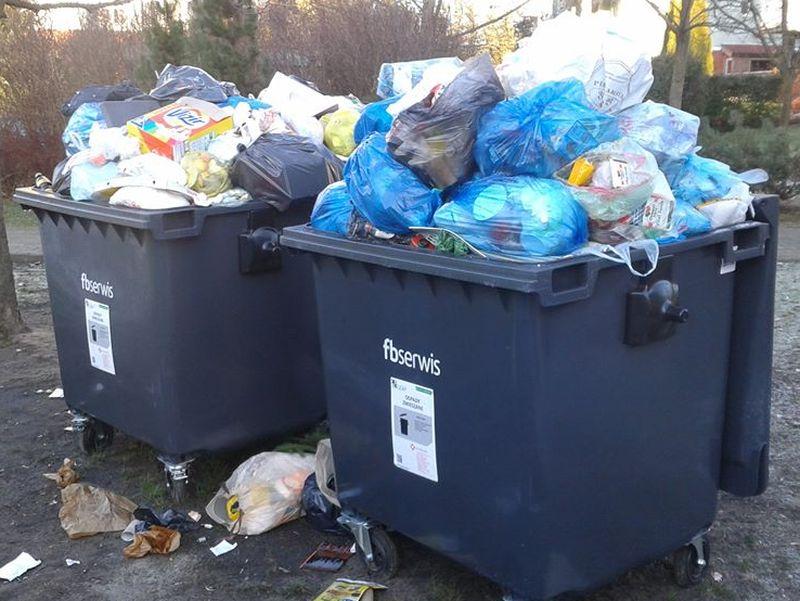 śmietniki, pojemniki na odpady, śmieci - Szymon Mazur