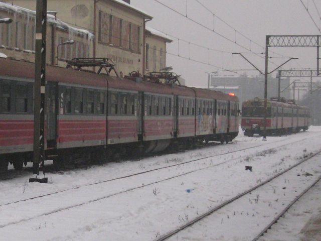 Pociągi zimą - Szymon Mazur