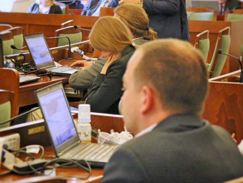 radni obradują na sesji - Marcin Wesołowski