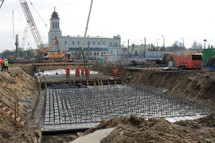 budowa tunelu na dębcu - PIM