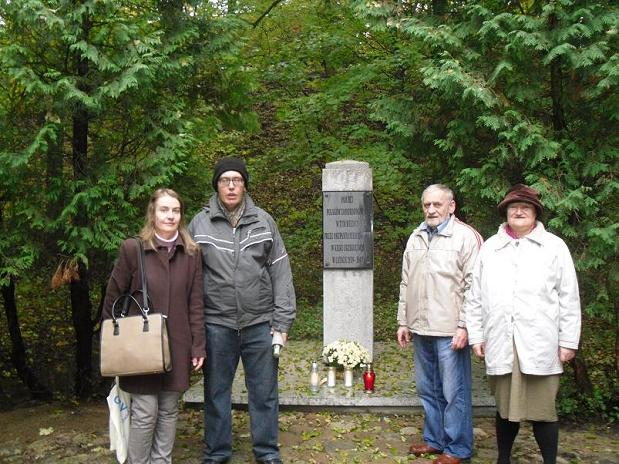 Rodzina Grzybowskich - Dębina Pomnik Pomordowanych