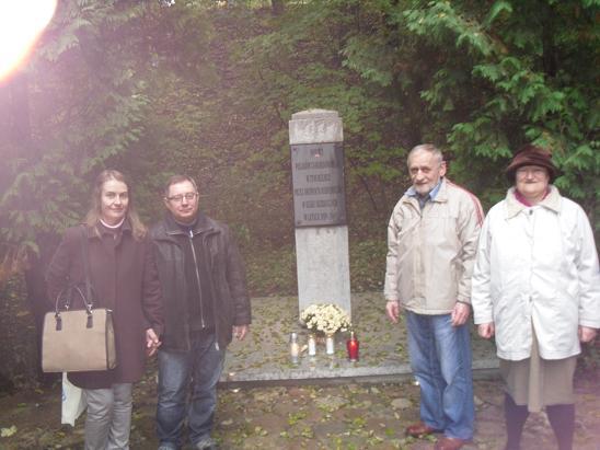 Grzybowscy i Gandeccy - Dębina Pomnik Pomordowanych