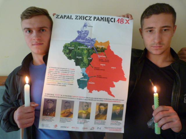 Uczniowie z m. Komrat w Mołdawii - wzięli udział w akcji Zapal Znicz