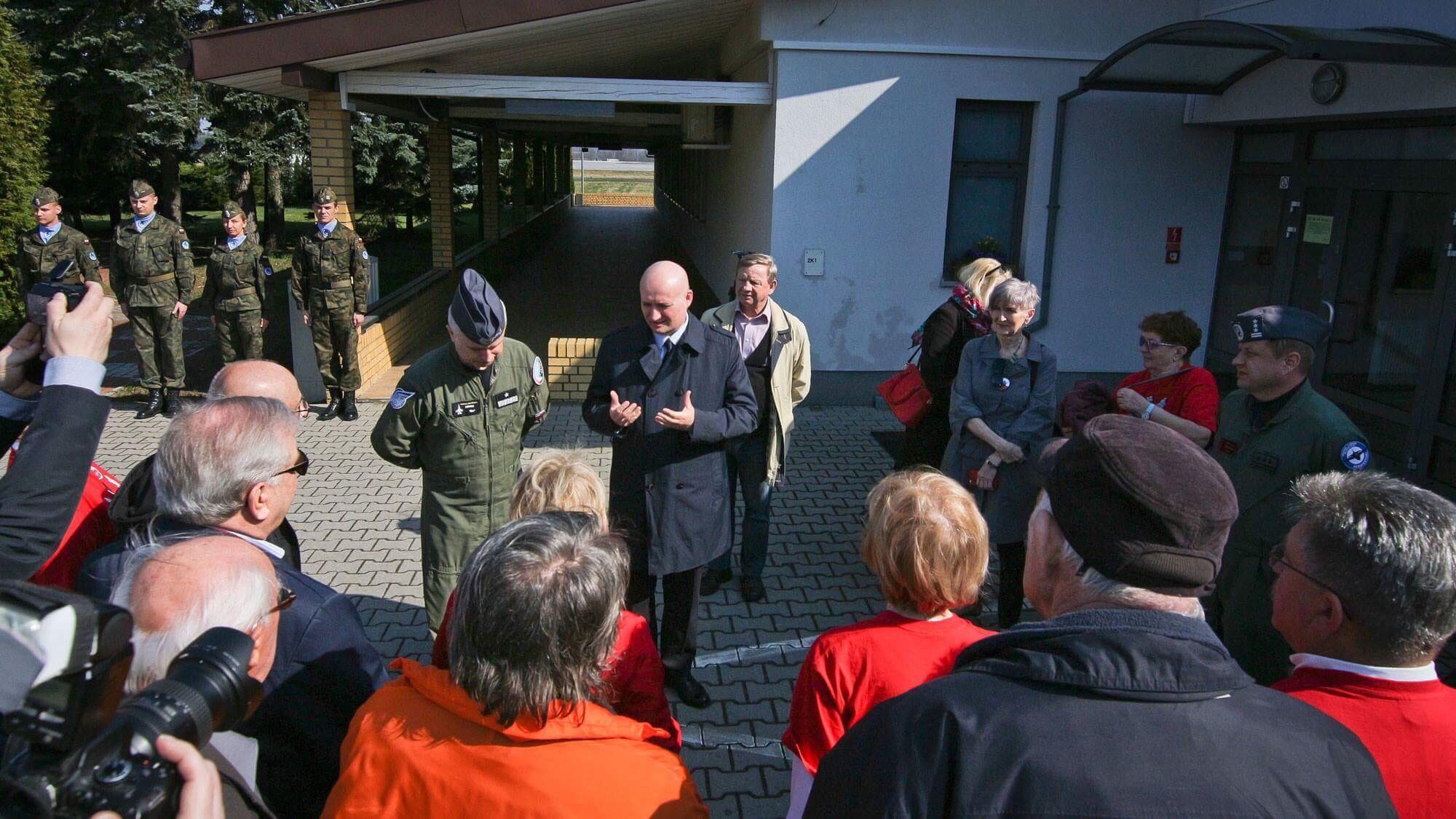 Wojewoda uczcił ofiary katastrofy smoleńskiej
