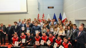Sportowe stypendia dla młodych sportowców