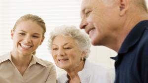 Senior potrzebny od zaraz. Czy emeryci chcą sobie dorabiać?