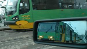 Zderzenie tramwaju z samochodem na Dębcu