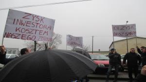 Nie chcą fermy w lesie. Protest mieszkańców
