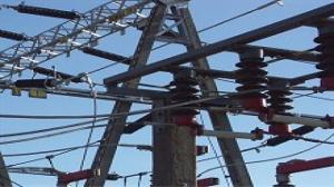 Linia energetyczna tuż obok innej linii. Mieszkańcy chcą jej likwidacji