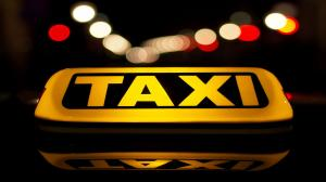 Ujednolicą opłaty taksówek z lotniska