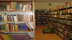 Seniorzy mogą już odbierać książki