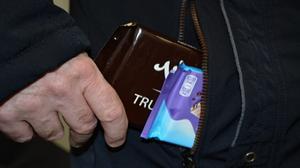 Wielbiciel czekolad w rękach policji
