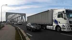 Co dalej z uszkodzonym mostem w Koninie?