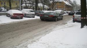 Drogi w Wielkopolsce zasypane śniegiem