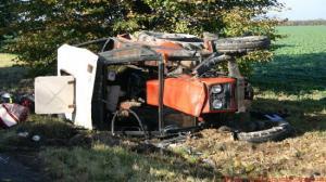 Ciężarówka uderzyła w ciągnik