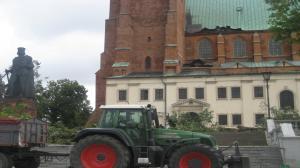Wichura uszkodziła dach katedry