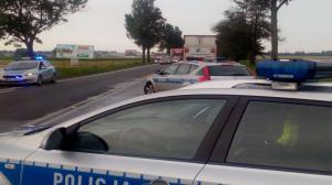 Wypadek na trasie Kalisz-Sieradz. Dwa auta spłonęły doszczętnie.