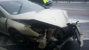 BMW uderzyło w autobus