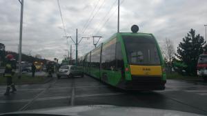 Zderzenie samochodu osobowego z tramwajem [ZDJĘCIA]