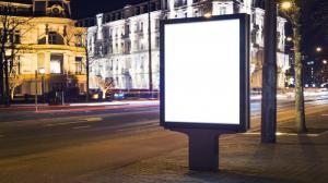 Mniej billboardów i bardziej dopasowane szyldy