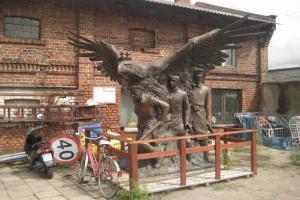 Pomnik czeka na stulecie