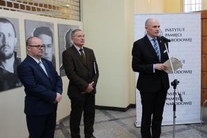 Portrety ofiar NKWD na poczcie w Poznaniu