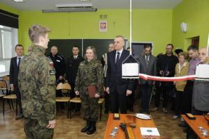 W Gnieźnie otwarto pierwszą szkolną strzelnicę