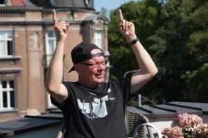 Jan Zieliński w Małej Czarnej Lattem