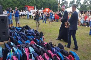 Plecaki z wyprawką szkolną od Caritas