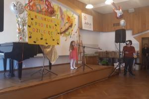 Przedszkolaki zaśpiewały dziecięce przeboje