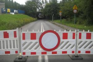 W Gnieźnie zamknięto przejazd pod Trzema Mostami