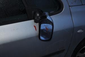 38-letni wandal uszkodził dziesięć samochodów