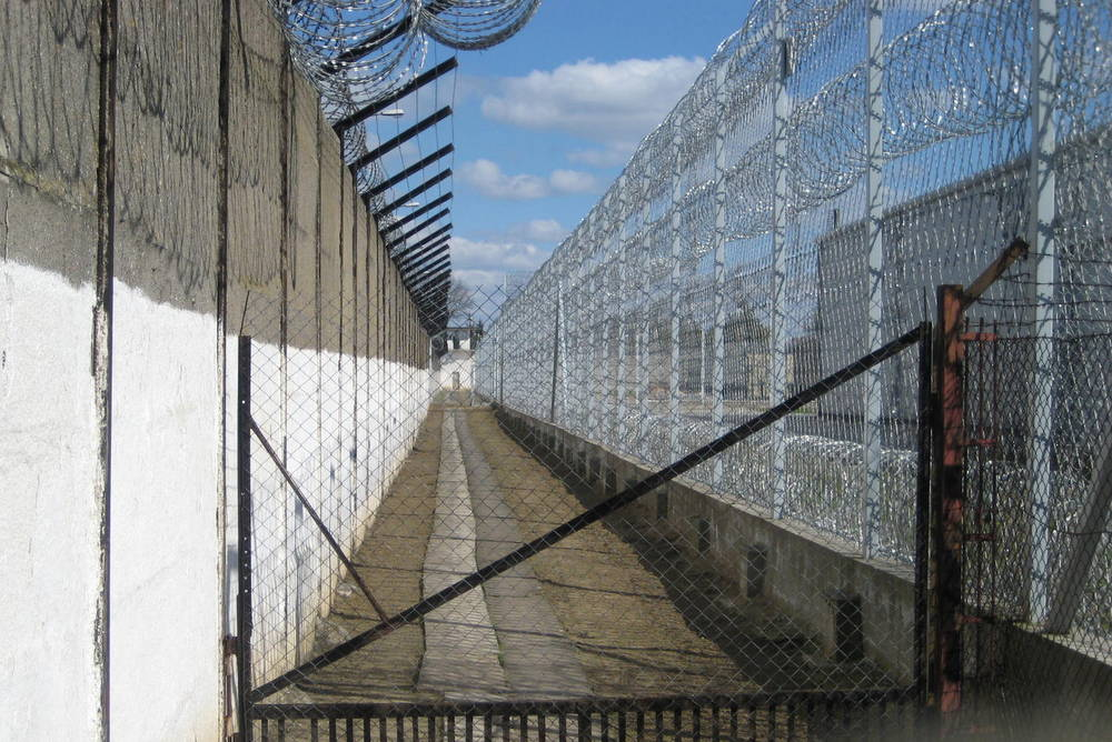 Więźniowie siedzą, ale wychodzą