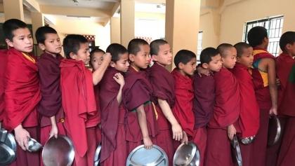 Pilanie pomagają nepalskim sierotom