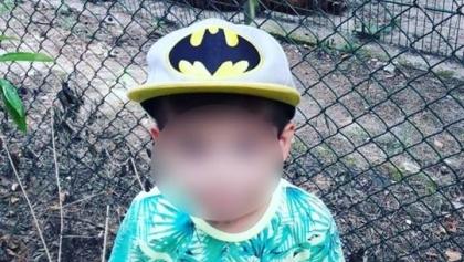 Mały chłopiec podszedł do tygrysa w ZOO