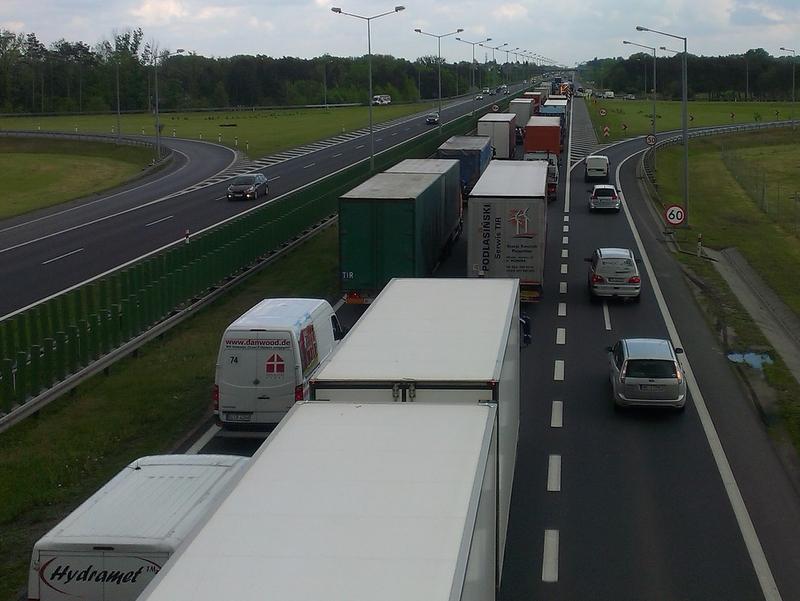Jest zgodna na 3 pas na autostradowej obwodnicy Poznania