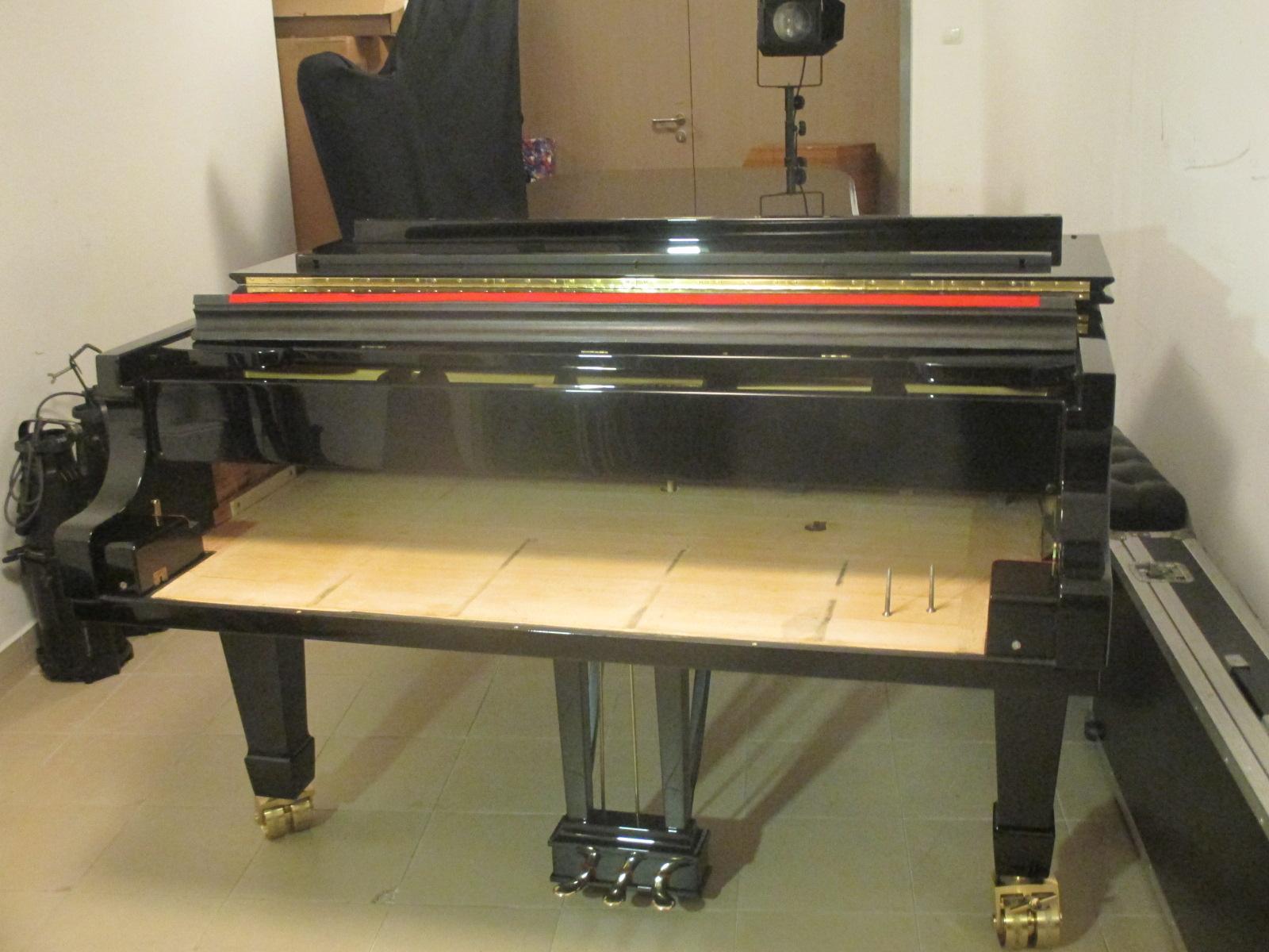 Sprawa fortepianu z przebitymi numerami nie taka prosta