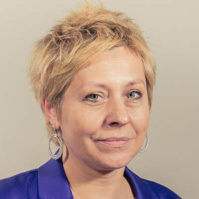 Edyta Jarzewicz specjalista ds. reklamy i sponsoringu E-mail: edyta.jarzewicz@radiopoznan.fm - Radio Poznań