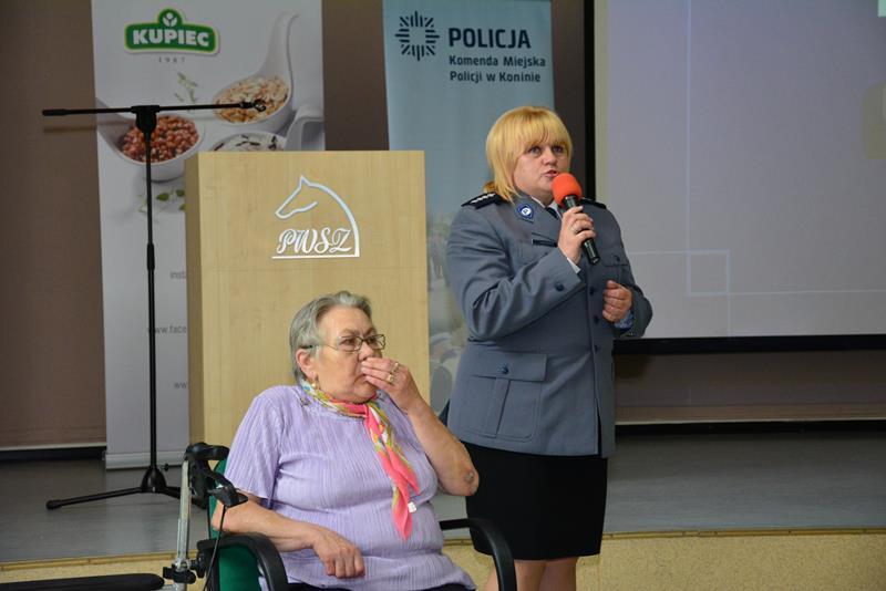oszukiwanie seniorów konferencja - Policja Konin