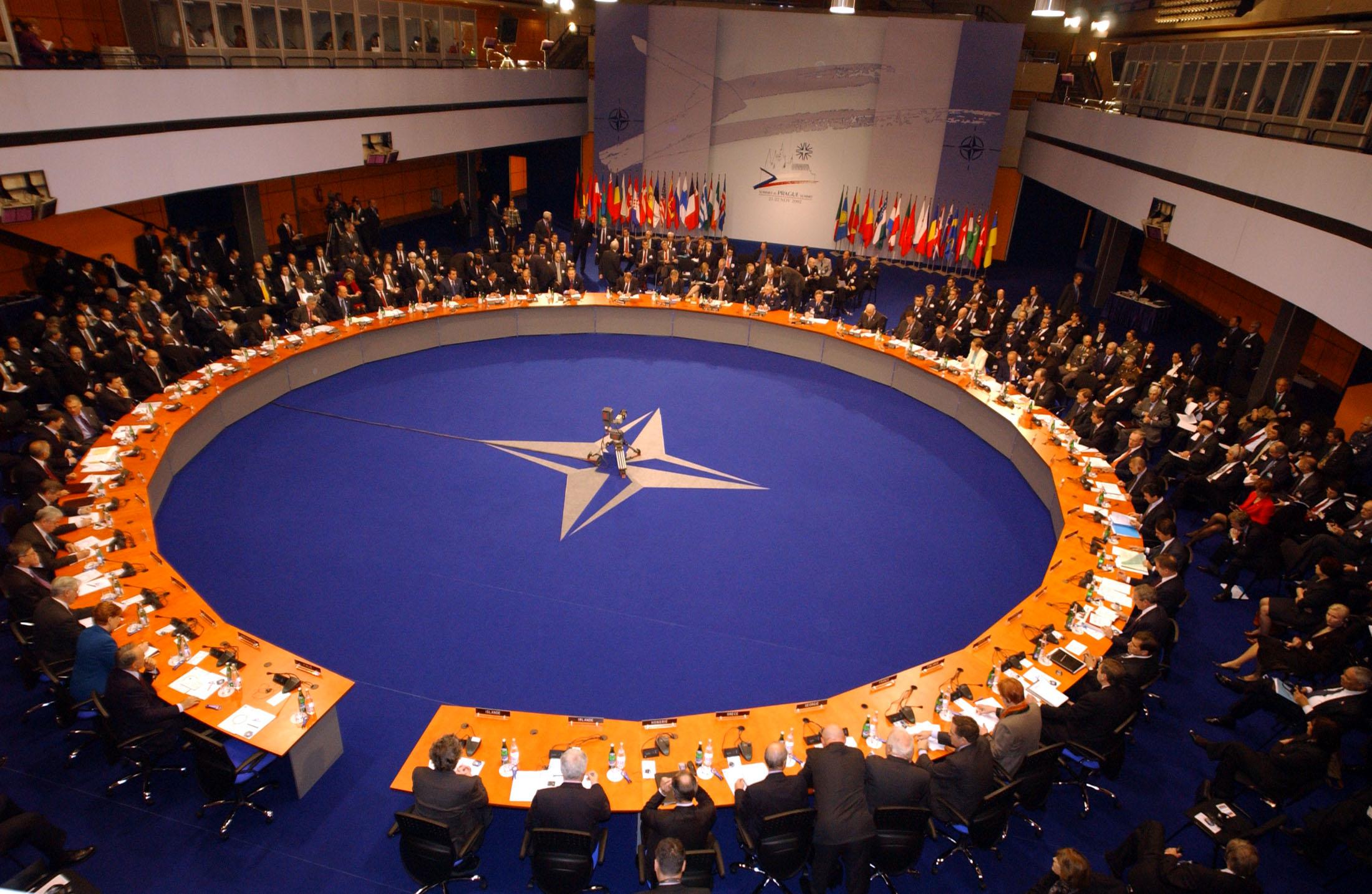 nato obraduje - NATO
