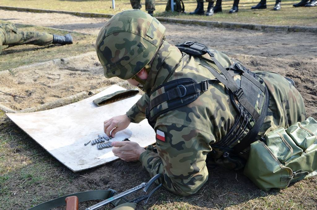 wojsko strzela - chorąży Marcin Szubert