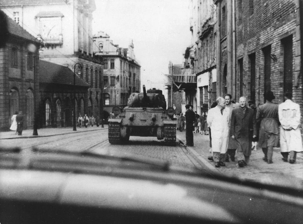 poznański czerwiec 1956 archiwalne 3-001 - odnalezione zdjęcie